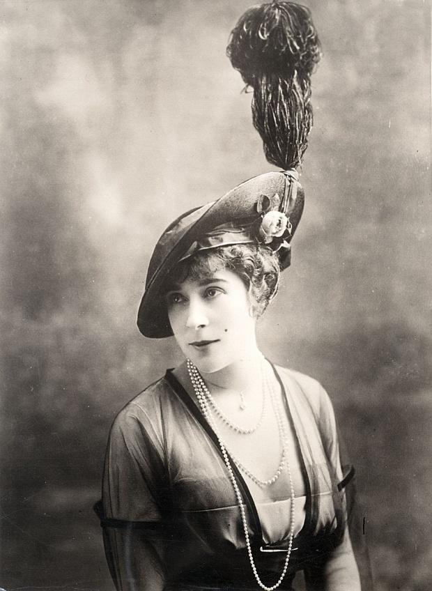 WOMEN'S HATS (1913-1915)