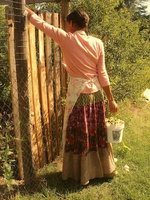 Aspiring Homemaker- I love all of her old fashioned clothes and pictures.