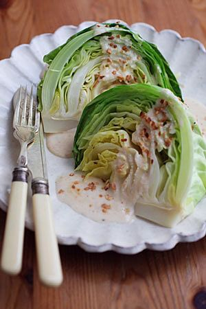甘味と柔らかさを楽しむ!レンジで作る春キャベツレシピ7選|CAFY [カフィ]