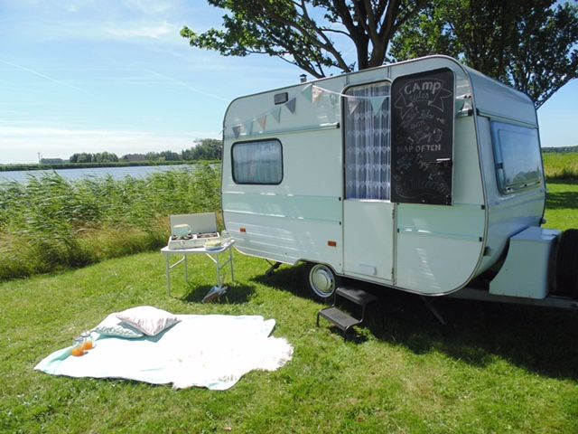 8 best adria 305 images on pinterest mini caravan. Black Bedroom Furniture Sets. Home Design Ideas