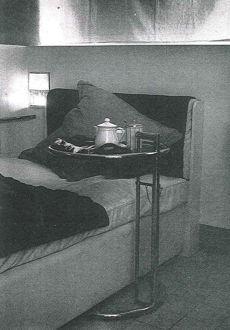 les 25 meilleures id es de la cat gorie eileen gray table sur pinterest gray eileen base de. Black Bedroom Furniture Sets. Home Design Ideas