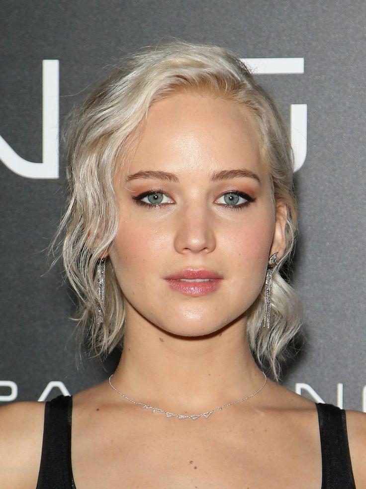 Jennifer Lawrence With Platinum Blond Hair | Spring 2016 | POPSUGAR Beauty