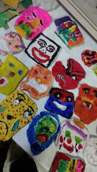 Renkler ve ifadeler Özel Maya Okullari