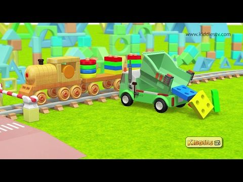 Learn shapes and colors and have fun the wooden toy train!