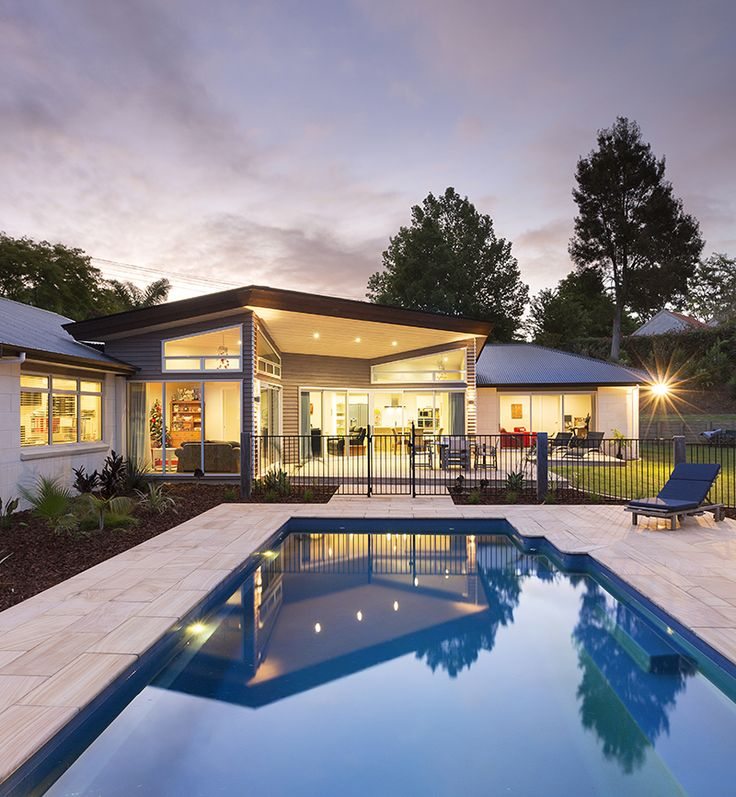 A stunning house with a nice pool infront designed by Jeremy Moloney from The Designer #ADNZ #architecture #pools