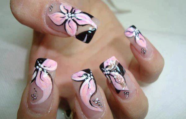 Diseños de uñas con flores, diseños de uñas con petalos y flores.  ¡CLUB unasdecoradas.club! #uñasdemoda #nails #uñasfinas