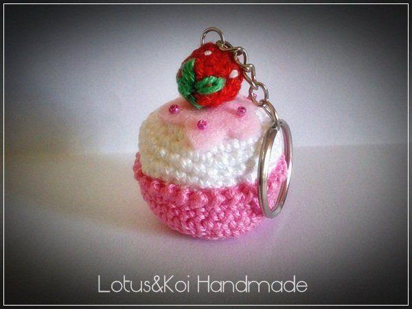 Cupcake Fior di Fragola Amigurumi, by  Lotus Handmade, 4,00  su misshobby.com