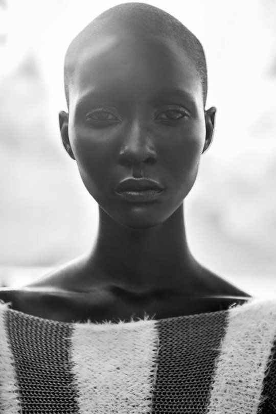 Mahany Pery - even for a model this lady is something else...stunning doesn't cover it!