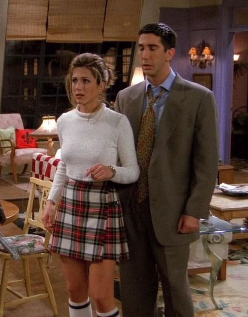 outfits from 'friends' have also been an inspiration of mine and this is a prime example of the cute looks i adore! 90s fashion-Rachel Green(Jennifer Aniston)