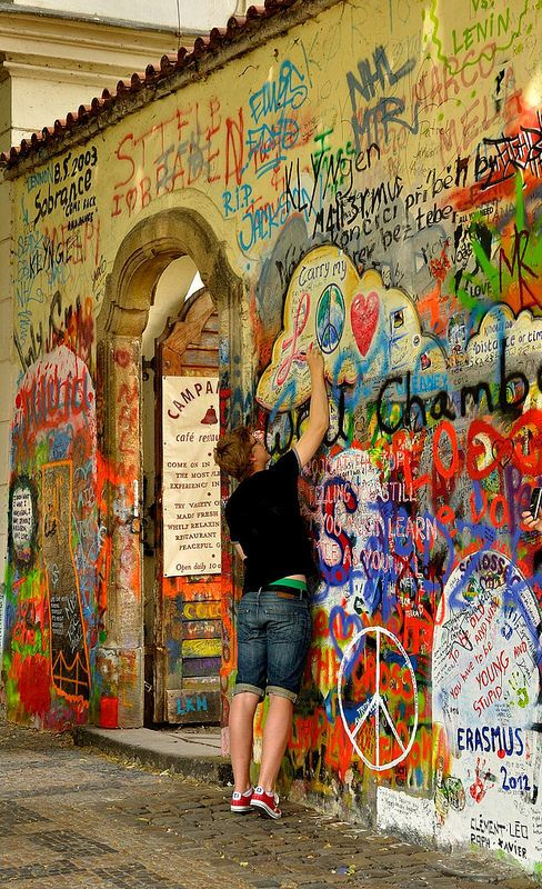 Prague : John Lennon wall in Mala Strana   2/2
