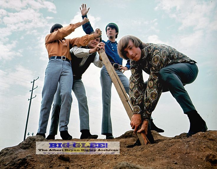 The Monkees 1966 outdoor romp (outside and around the Raybert soundstages) that produced the cover of their Daydream Believer single! | Big Glee! The Albert Bryan Bigley Archives!