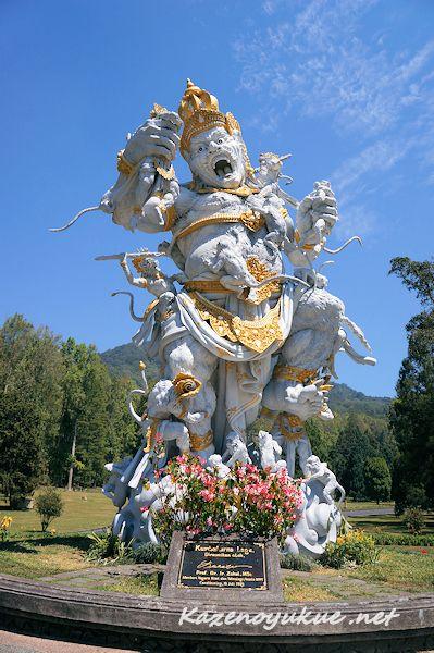 バリ島のパワースポットとして人気のあるブドゥグル公園。バリ 旅行・観光でおすすめのスポット!
