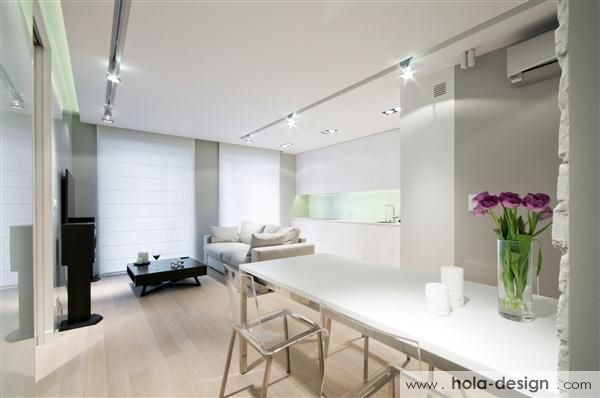Very consistent and consistent interior design. The decor of elegant, functional, warm, makes a very good impression. Photos: HOLA Design, http://www.hola-design.com