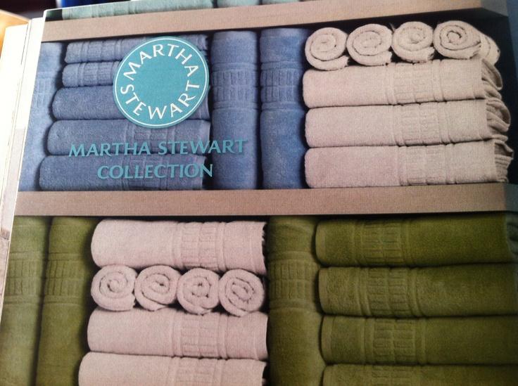 Towel display bathroom pinterest towel display towels and display - How to display towels in bathroom ...