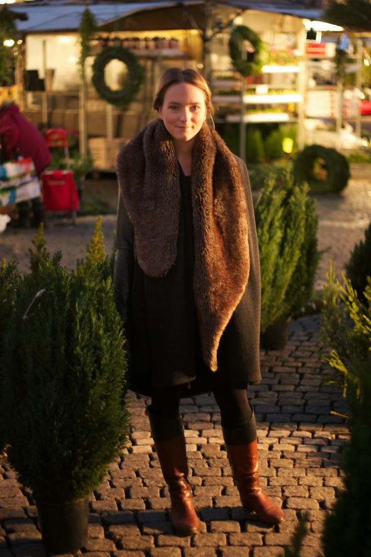 Wearing:  Shawl Coat, 100€ Available here: on.fb.me/1b6z4B0 & Faux Fur Scarf, 29€ Available here: on.fb.me/HEIrjv