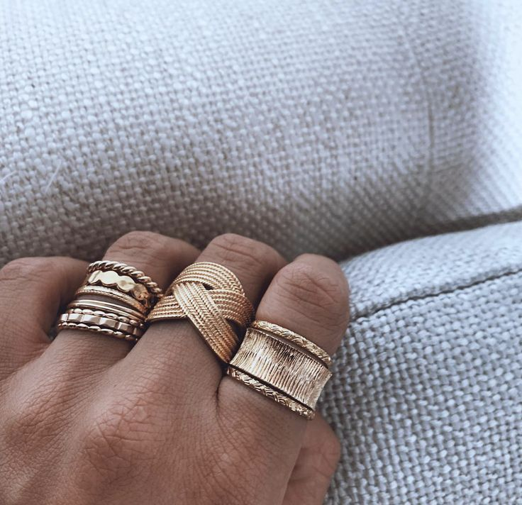 Nos essentielles ! #gold #ring #rings #particulars #style #fashion