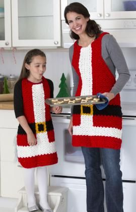 Santa's Aprons from Red Heart - find links to this and more fantastic free Santa crochet patterns at mooglyblog.com!