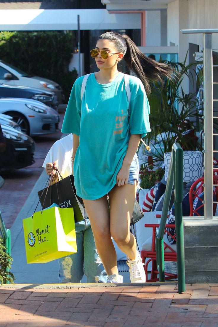 MAY 27,2016 | Kylie leaving Bui Sushi in Malibu