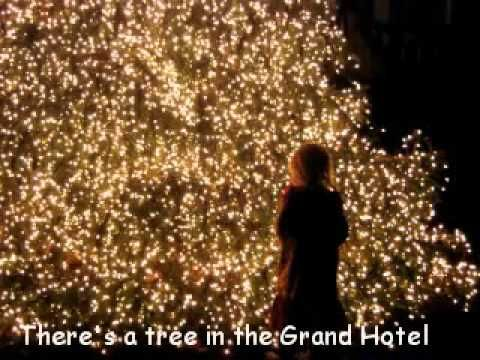 It\u0027s Beginning To Look A Lot Like Christmas - Bing Crosby - Lyrics