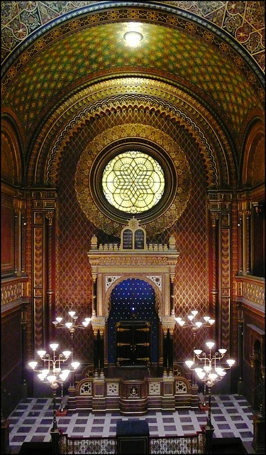 Main part of the Spanish Synagogue, the most decorated one in Prague.