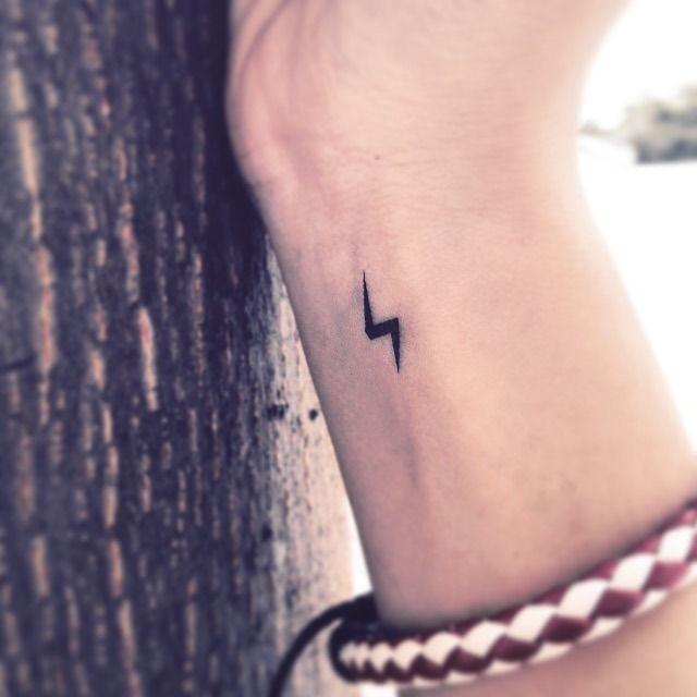 Accio Potterheads Uber 20 Designs Die Nur Echte Harry Potter Fans Kennen Tattooid Falsche Tattoos Kleine Harry Potter Tattoos Harry Potter Narbe Tattoo