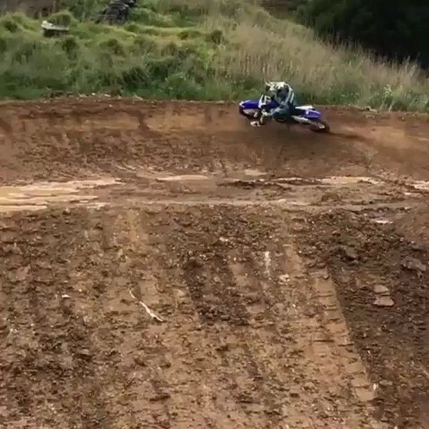 """Slaying this track!!!✊✊✊✊✊ #liker #likes#photooftheday #2wheels #liketeam #4stroke#grenzgaenger #instagood #kawasaki #mx#motocross #kTM #motorcycle #MX #enduro#wild #gopro #husqvarna#atv #wheelie#2stroke #Suzuki #scrub #honda #Yamaha#swag #nice #mud #fail"" by @mxtweakers. #capture #pictures #pic #exposure #photos #snapshot #picture #composition #pics #moment #focus #all_shots #color #foto #photograph #fotografia #photographyeveryday #photoart #ig_shutterbugs #photogram #photodaily…"