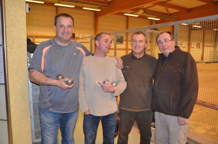 Un beau concours de pétanque clôturait les concours indoor de la Pétanque pontévalloise.