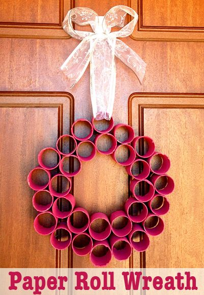 Homemade Christmas Decoration: Paper Roll Wreath