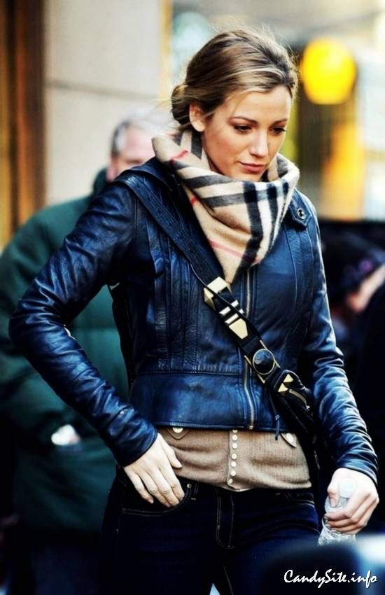 Blake Lively street style.                                                                                                                                                                                 More