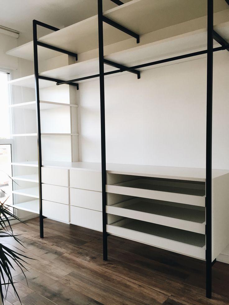 Uma ótima idéia para um Closet funcional e barato                              …