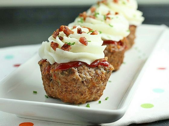 Meatloaf Cupcakes - i totally want these! :-)