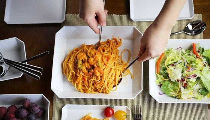 大皿タイプは大人数での食事に活躍