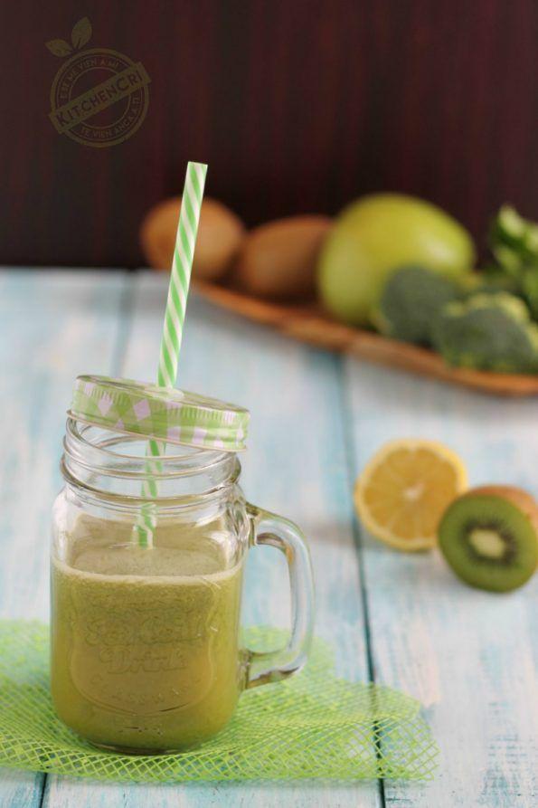 Estratto verde kiwi mela broccolo, depurativo