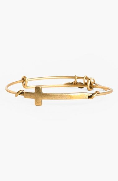 Free shipping and returns on Alex and Ani 'Cross Wrap' Expandable Wire Bangle at Nordstrom.com. Representing life, union and immortality, a cruciform emblem embellishes the twisted wire of an expandable bangle that easily adjusts to the perfect fit. Wear this symbol to honor your personal beliefs in the cross. Mix and match multiple styles for an eclectic look.