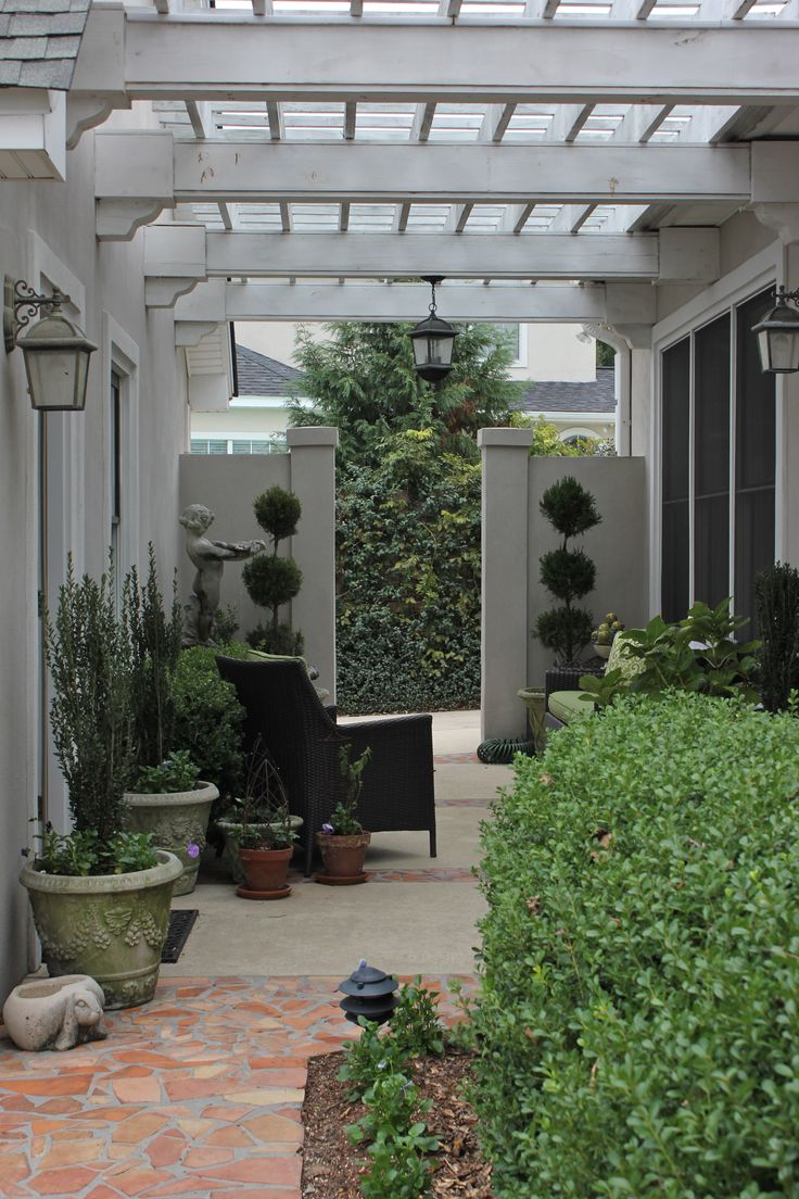 Pergola Breezeway Like The Dividing Walls Possible