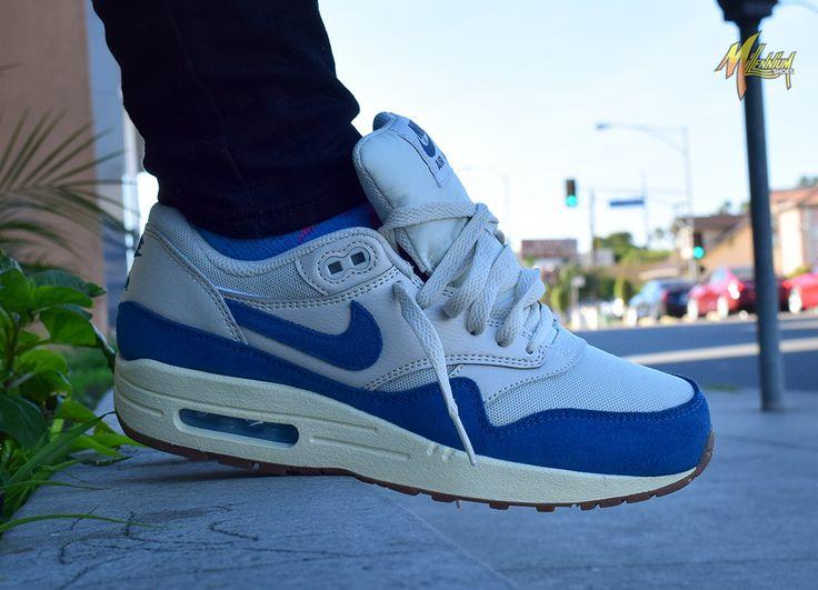 nike air max 1 essential sneaker blue multi clutch