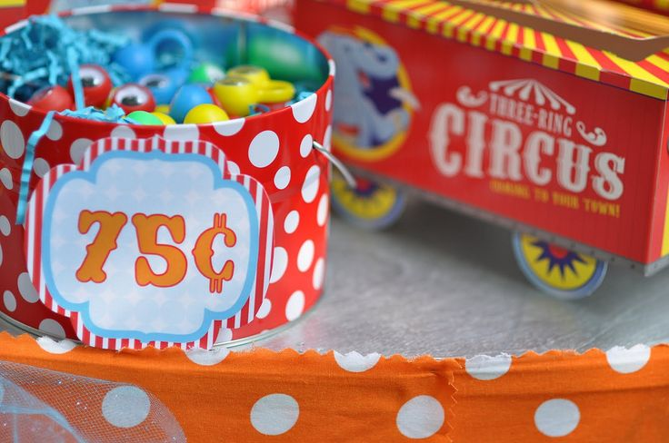 circus carnival birthday party prizes eyeball finger puppe… | Flickr