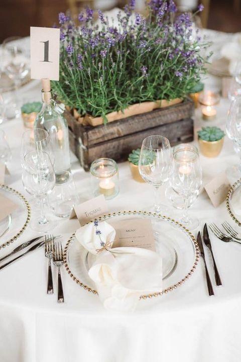 61 Cozy And Charming Barn Wedding Table Settings | HappyWedd.com
