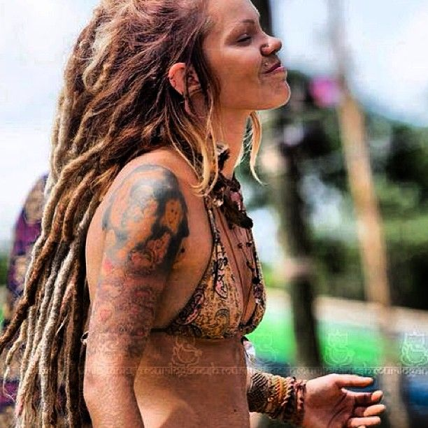 from Maison sexy dread girl nude