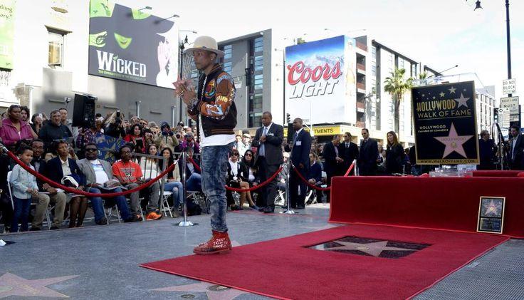 Pharrell Williams ya tiene su estrella en el Paseo de la Fama de Hollywood