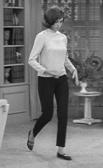 Cigarette pants on Laura Petrie - Dick Van Dyke show . . . yes, quite the era!!!