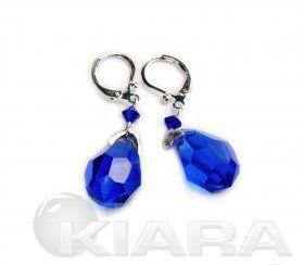 Uwielbiamy kolory, jak się Wam podobają takie szfirowe kryształy przy pięknych uszach.