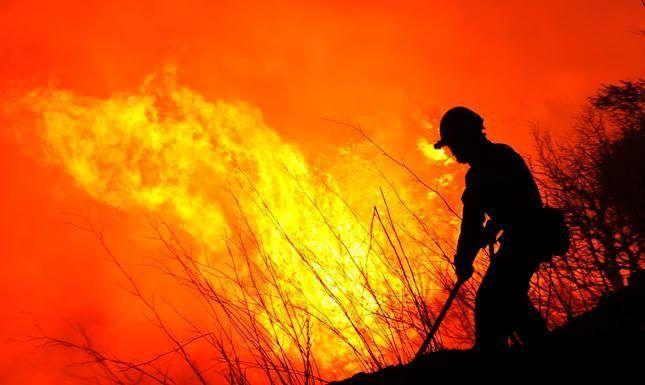 El 4 de mayo se celebra el Día Internacional del Bombero Forestal como expresión de reconocimiento y apoyo de la comunidad internacional y de la sociedad en general a quienes luchan contra los fuegos de bosques y otros ecosistemas en todo el mundo para preservar el patrimonios y recursos naturales.  También es una oportunidad para recordar y homenajear a todos aquellos que perdieron la vida en la lucha contra los incendios forestales.  En diciembre de 1998 a raíz de un accidente ocurrido en…