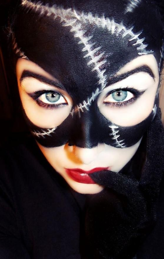Michelle Pffeifer style Catwoman mask - great makeup!