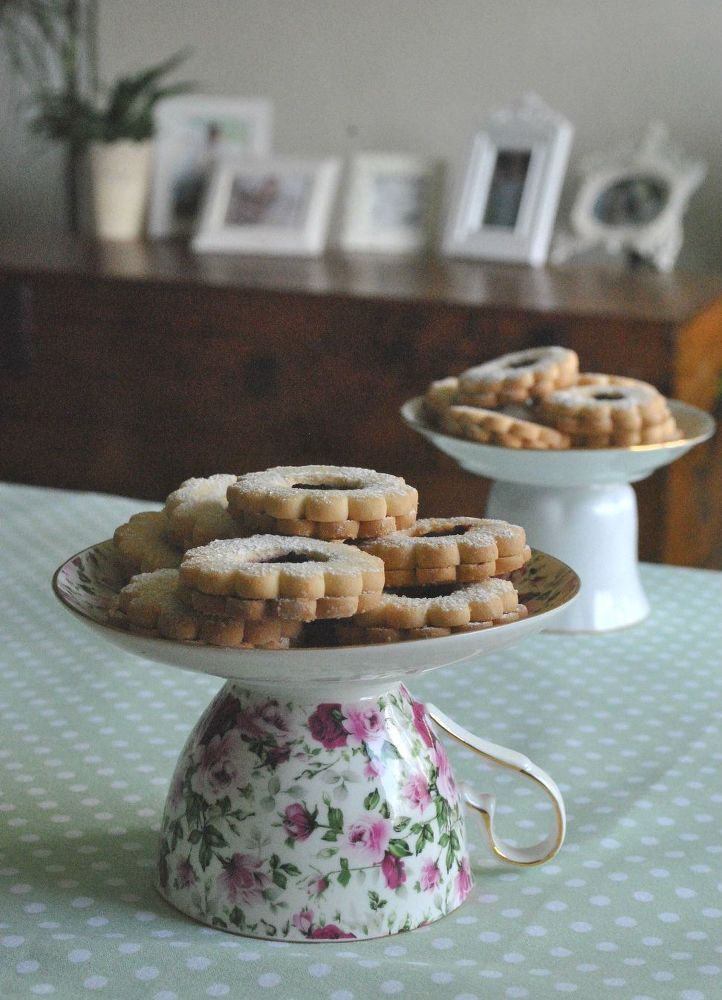 """Cake Stand"" is a misnomer here as these are actually on large enough for displaying/serving little desserts like cookies as opposed to cake itself.  But it's still a cute idea!"