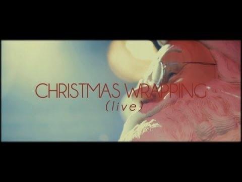 Dog Is Dead - Christmas Wrapping (The Waitresses Cover). Empieza a celebrar la Navidad y regálate entradas para sus conciertos en Barcelona (15/02) y Madrid (16/02).