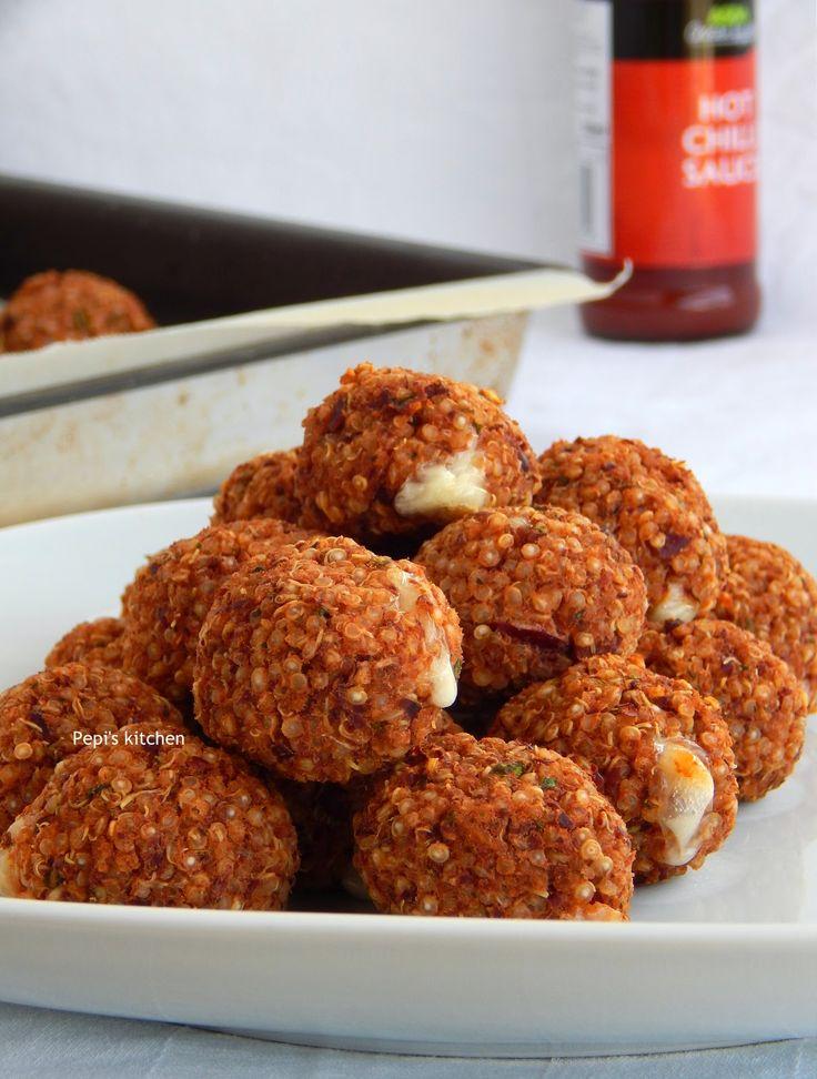Μπαλάκια κινόα γεμιστά με τυρί