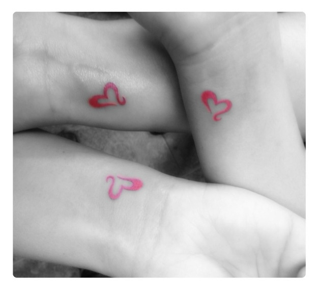 Cute sister tattoo! I want me and katie to get this one!!!