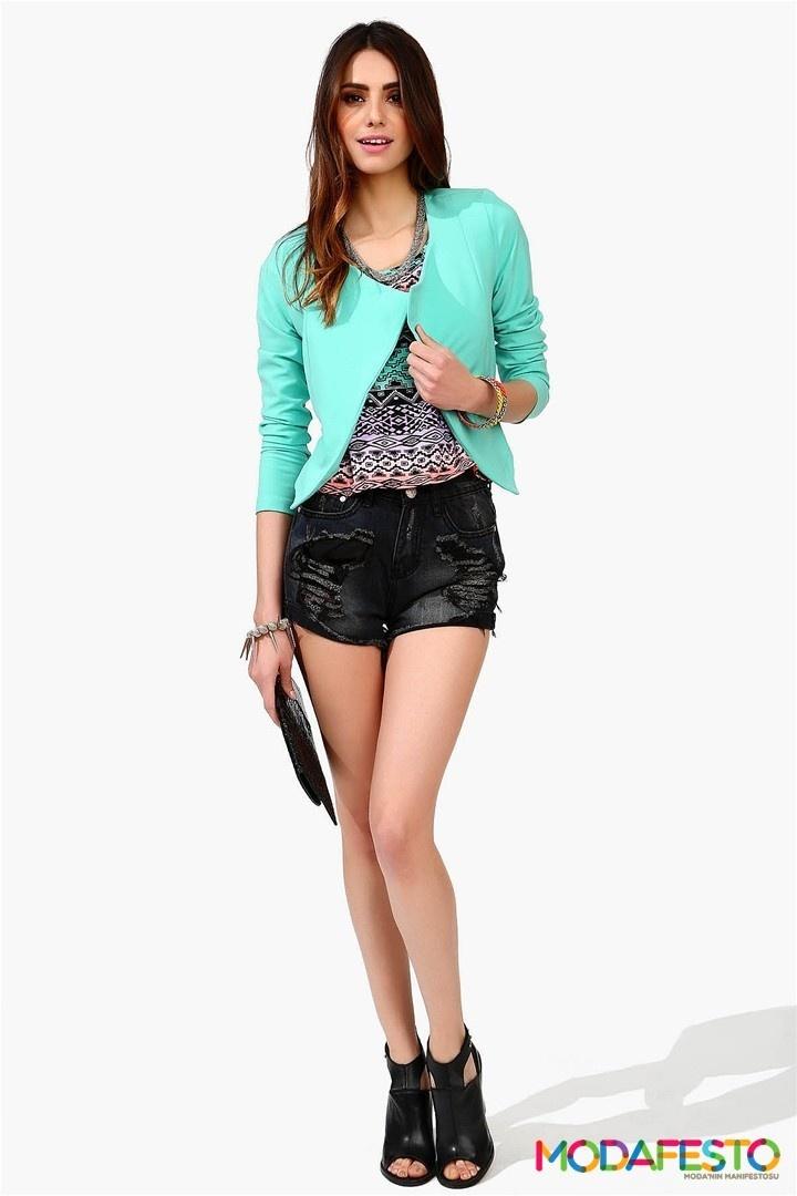 #blazer #jacket #modafesto #moda #fashion   Şıklığın ve zerafetin en güzel parçalarından sayabileceğimiz Blazer ceketler, her zaman olduğu gibi bu yaz da, davet ve sıcak yaz akşamları dostluklarının en göde misafiri olarak sizi tamamlayacak en güzel üst. Amerikan firması, Necessary Clothing 'ın  Bayan Blazer Ceketler 2013 kreasyonlarından olan bir galeri düzenledik sizler için.  Devamı http://www.modafesto.com/bayan-blazer-ceket-modelleri-2013-koleksiyonlari-713.html