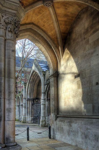 ✮ Arches - Royal Courts of Justice, London. England, UK.